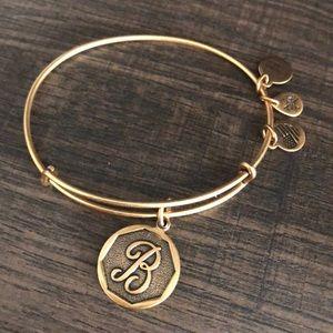"Gold ""B"" bracelet"